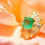 緑色の宝石・エメラルドの特徴や評価