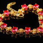7月の誕生石・赤色が美しい宝石「ルビー」とは