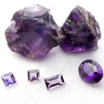 高貴の色・紫を持つアメジスト(紫水晶)とは